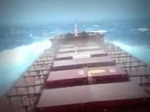 Heavy sea on cape Size Bulk Carrier - Indian Ocean