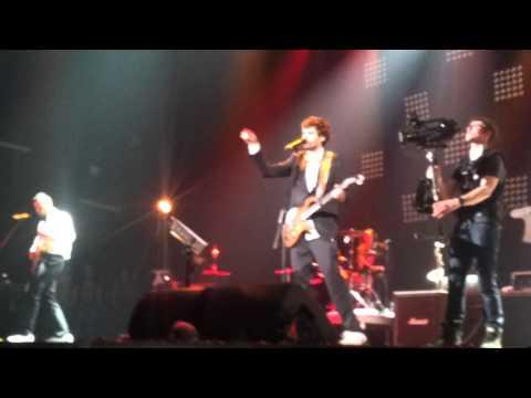 Слушать онлайн Noize MC - Бассейн (Live at Stadium Live, 13.04.2013)
