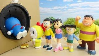 ドラえもんとのび太たちがタキロンBOXにすぽすぽ入っていく おもちゃ 連続突入