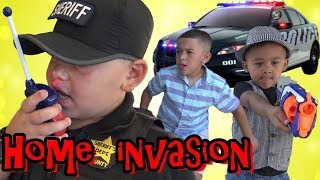 COPS AND ROBBERS - HOME INVASION ALARM - POLICE CHASE !!! COP KIDS PATROL