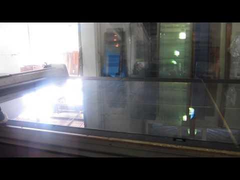 Завод Стеко. Нарезка стекла на производстве