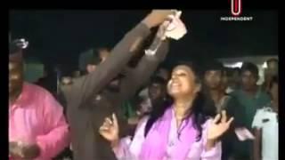 মাজার পুজারীদের কান্ড দেখুন!!!!