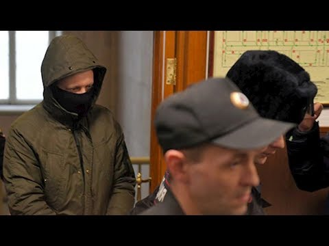 Экс-полицейским, задержавшим Голунова, предъявили обвинения