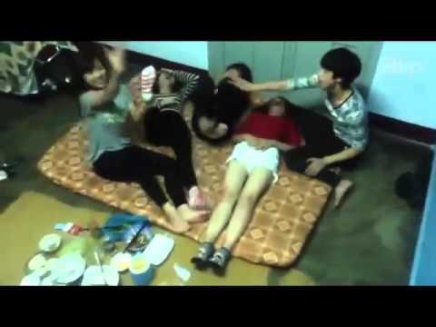 Đắng lòng nữ sinh nhậu sỉn thác loạn trong phòng trọ tập thể