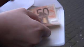 Unbekannter Geld-Engel verschenkt 50-Euro-Scheine in Bünde | Gott sei Dank