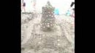 2006年夏のワンデースクール。 富津海岸に行き、みんなで砂の城を造りま...