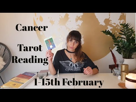 CANCER - 'Someone from your past wants to make it up with you' 1-15TH February Tarot Reading