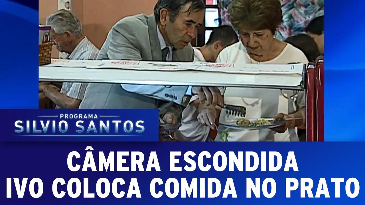 Câmera Escondida (23/10/16) - Ivo coloca comida no prato