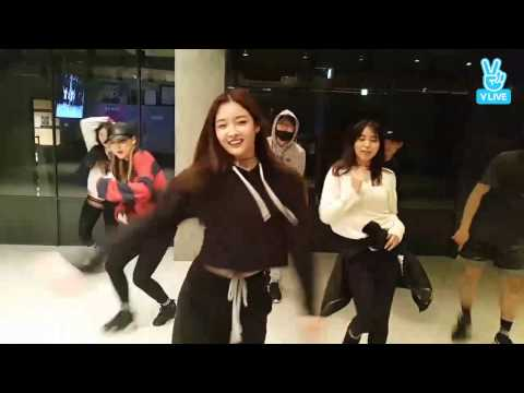 DIA's Eunjin dances to G-DRAGON's One of A Kind