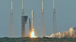 NASA's OSIRIS-REx travels to asteroid Bennu's surface to collect a sample