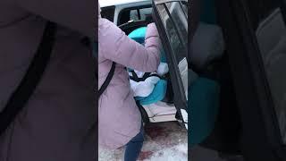 Автокресло-Коляска Doona... Использование зимой!