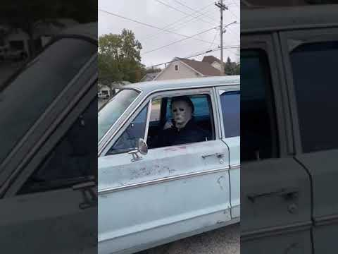 Wife-Tells-Man-to-Go-Home-While-He-Drives-Around-Wearing-Scary-Halloween-Costume-1148801