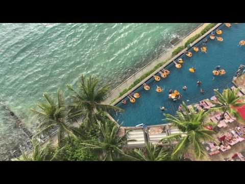 Best Waikiki Beachfront Hotels | Expedia Viewfinder Travel Blog