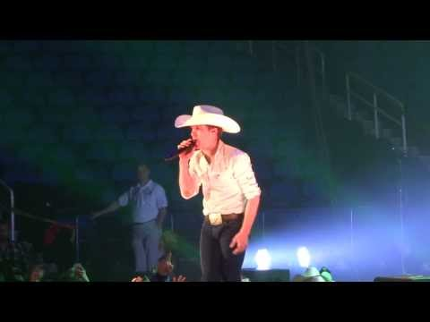 Justin Moore - Off the Beaten Path (1/23/14)