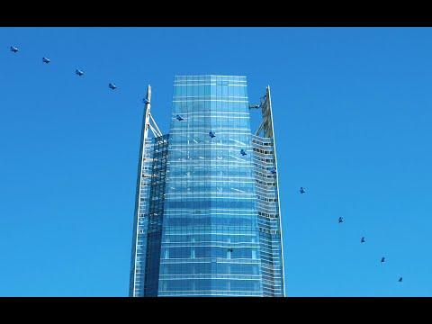 Sebastian Alvarez Wingsuit around tallest building in South America.