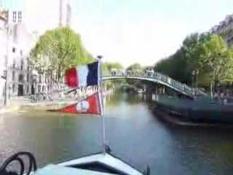 2008 Canal Saint-Martin Barge Picnic