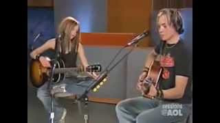 Video Avril Lavigne - Nobody's Home (Live Acoustic AOL Sessions 2004) download MP3, 3GP, MP4, WEBM, AVI, FLV Juni 2018