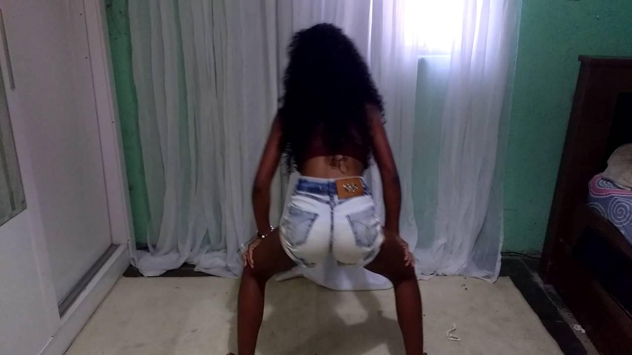 menina dançando bonde das maravilhas [3:32x720p]