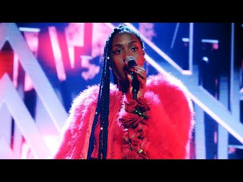 Jemima Hicintuka sjunger Fever i Idol 2017
