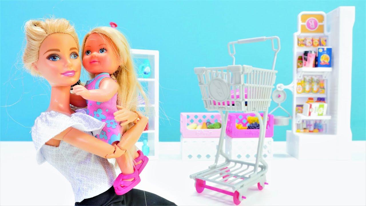 Hayal Alesi. Barbie alışveriş yaparken Steffie kayboluyor! Kukla oyunu. Kız videosu