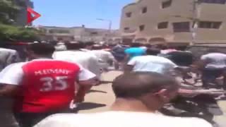 أول فيديو لضرب شاب من قبل أهالي