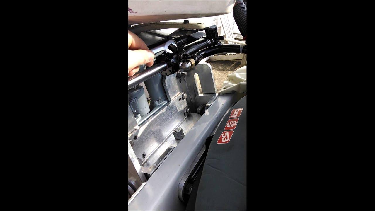 Bleeding seastar steering system