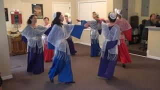 MESSIANIC DANCE:  HAZAK HAZAK (BE STRONG) by Lenny & Varda