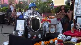 Dia de los Muertos on Olvera Street 2011