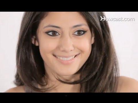 How to Do Bollywood Eyeliner | Makeup Tutorials thumbnail