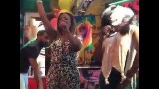 Kandi Burruss and Yandy Smith doing karaoke(1)