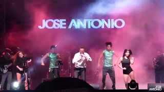 Show en vivo (Banda + baile + audiovisual)