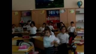 Первые дни в школе)