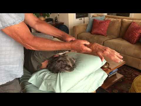 hendrickson-method-demonstration-of-a-thoracic-spine-treatment
