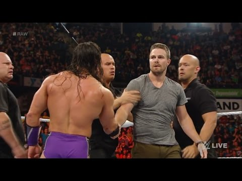 stephen-amell-wrestling-at-summerslam-(and-why-it's-okay)