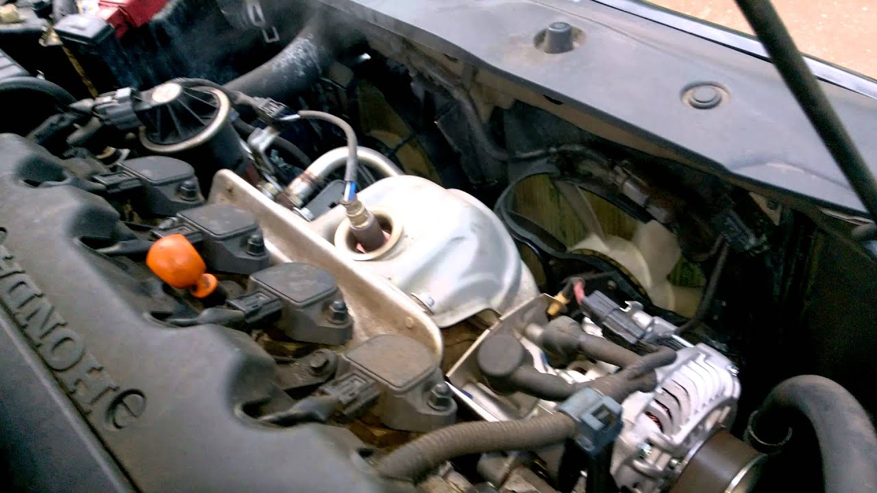 Honda Civic 2006 Radiator Fan - YouTube