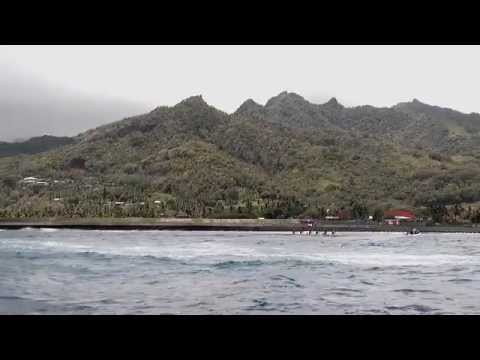 Around Rarotonga by boat