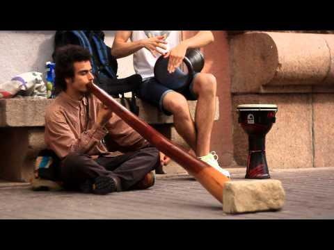 Диджериду на Крещатике.didgeridoo in Kyiv