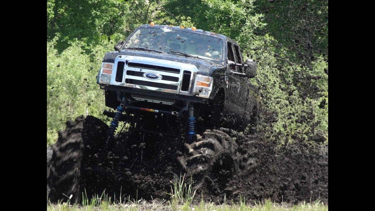 MONSTER TRUCK Ford F-550 Mud Bogging at Stampers Mud Bog ...