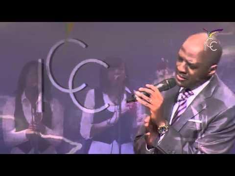 Jéhovah est son nom - Séquence Adoration avec Pasteur Yvan CASTANOU
