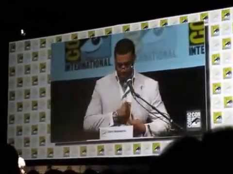 Superman Batman Announcement and Logo Reveal Comic Con 2013) MAN OF STEEL 2!!