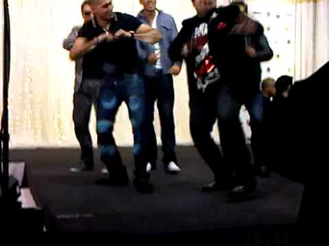 amir khan boxer dancing with saj mahmood at desi4!!!!!