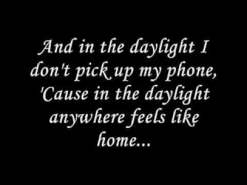 Matt & Kim - Daylight (Lyrics) & Daylight Outro Remix