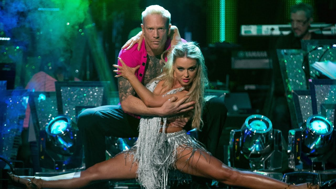 Iwan Thomas & Ola Jordan Cha Cha to 'Sexy And I Know It' - Strictly Come Dancing: 2015