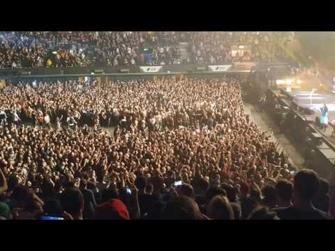 Korn (wall of death) @ SSE Wembley Arena, London (16.12.2016)
