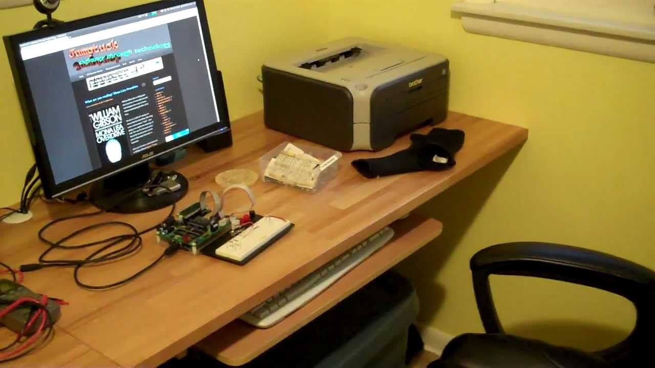 Building a Wall Mounted Desk - YouTube