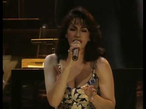 Laura Figi Live Royal Theatre Carre - 01.I've Got You Under My Skin