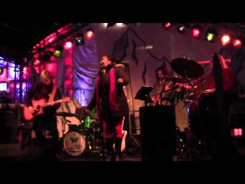 Menna Mulugeta & Band - The Hobbit - I see Fire