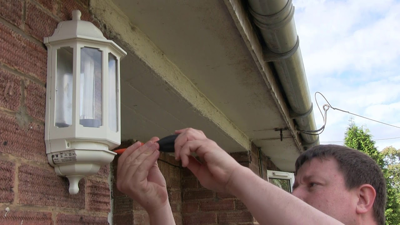 How To Change Your Outside Light Bulb