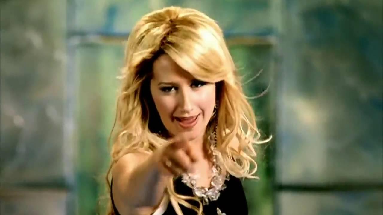 Ashley Tisdale - Kiss The Girl - Youtube-3138