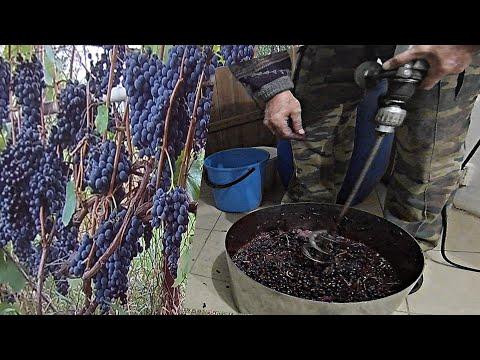 Приспособление для давки винограда.Чем давить виноград в домашних условиях.Как давить виноград